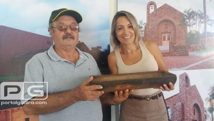 Guaíra - Primeira telha do prato típico de Guaíra é doada para o Museu