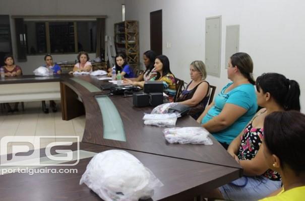 Guaíra - Merendeiras recebem novos uniformes e equipamentos de proteção para os trabalhos de 2019